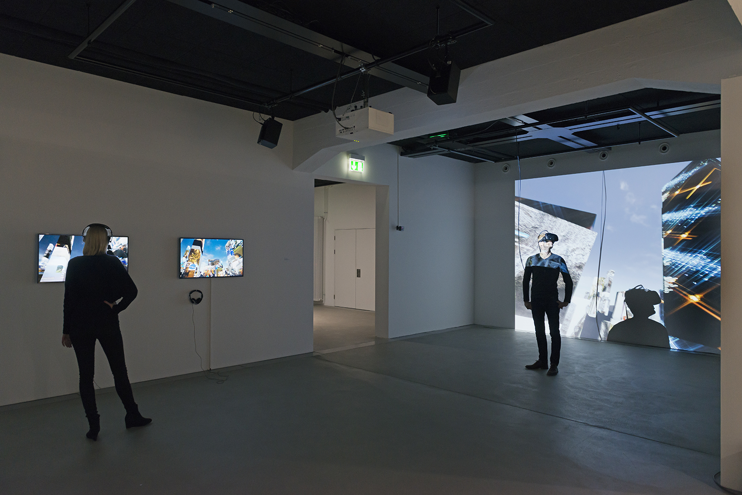 Exhibition view THE UNFRAMED WORLD at HeK Basel, artwork: Marc Lee, 10.000 moving cities - same but different (Version 4), 2016 / Photo by Franz Wamhof