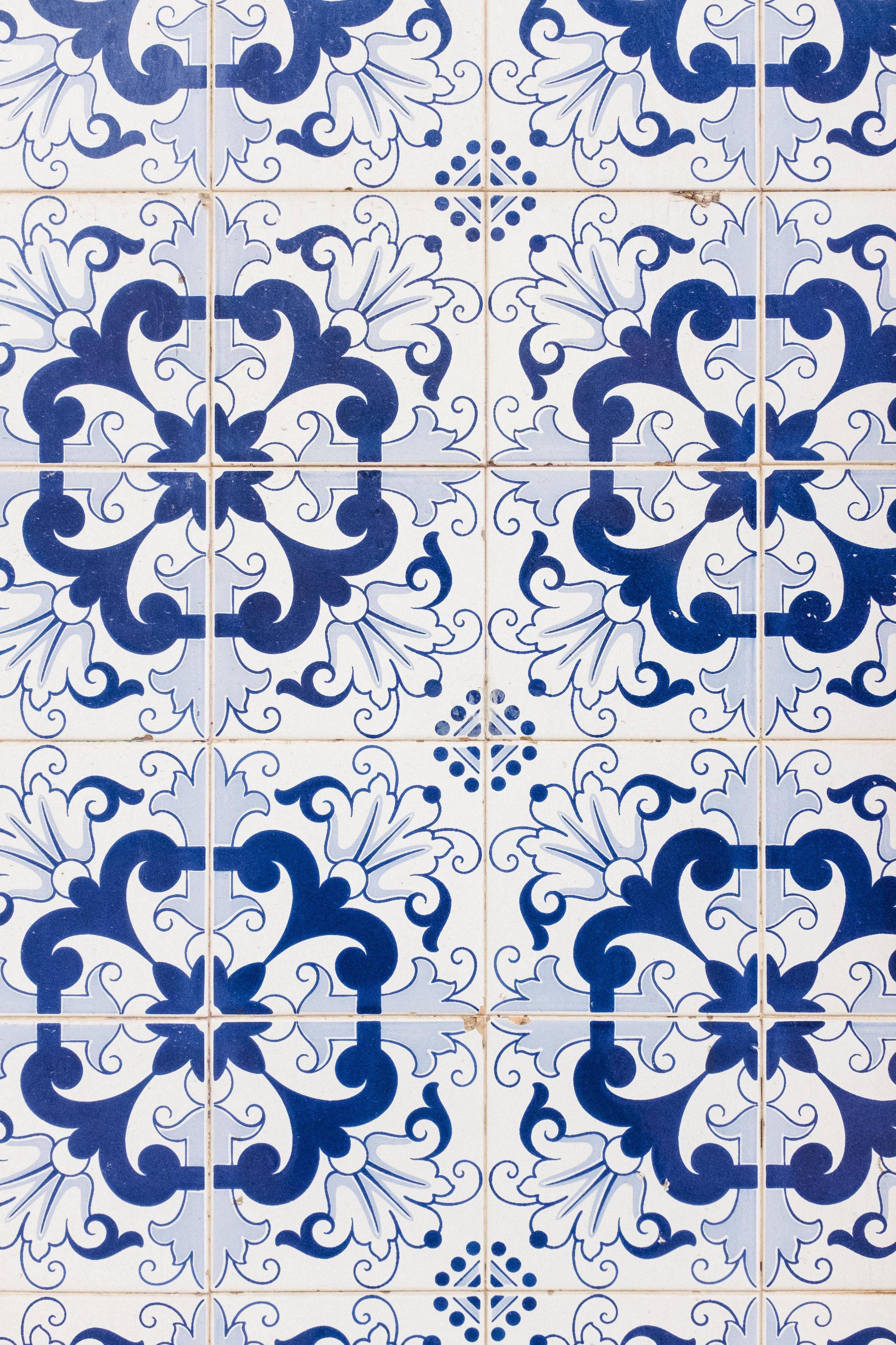 lisbon-portugal-azulejos-tiles-blue-white