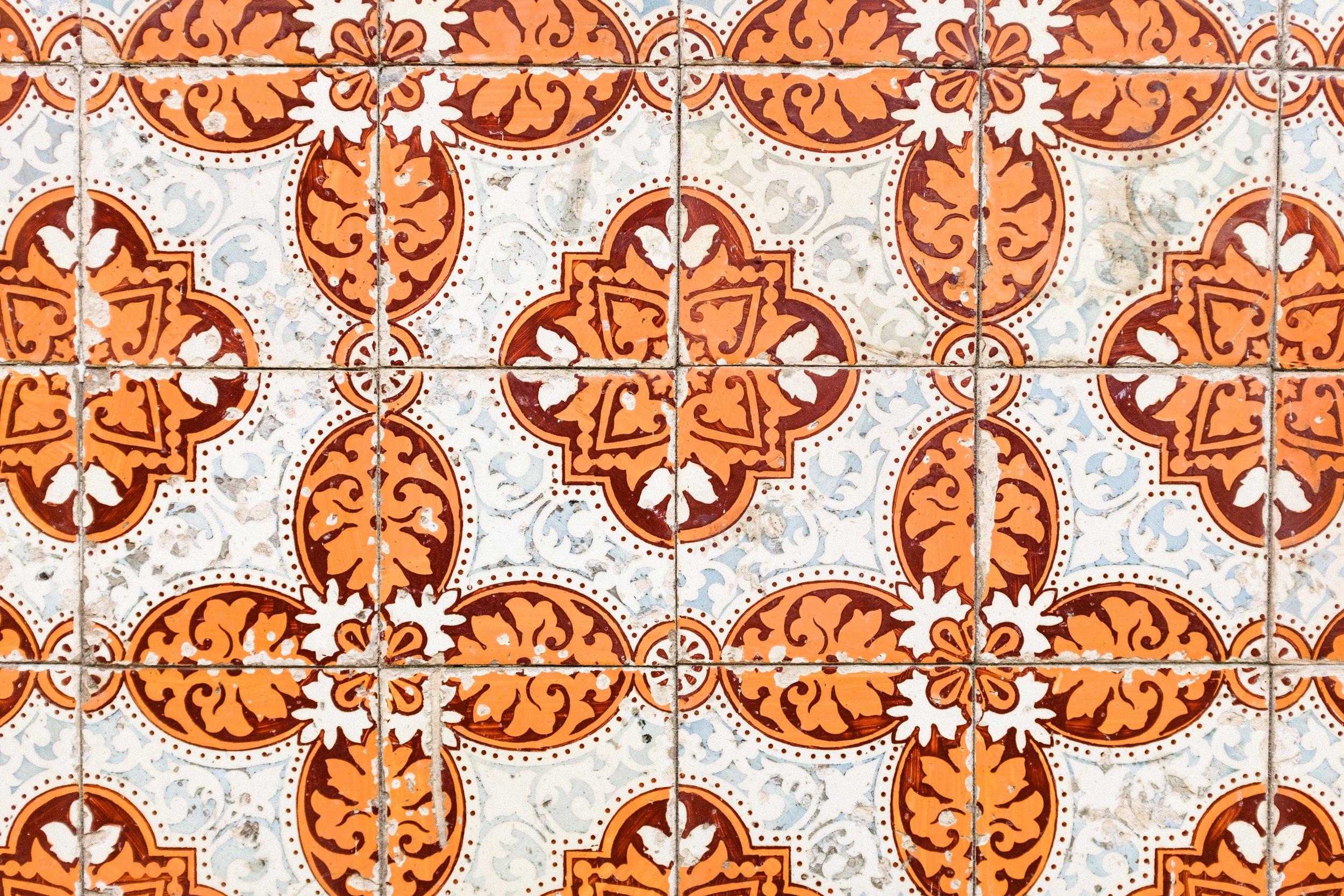 lisbon-portugal-azulejos-tiles-orange