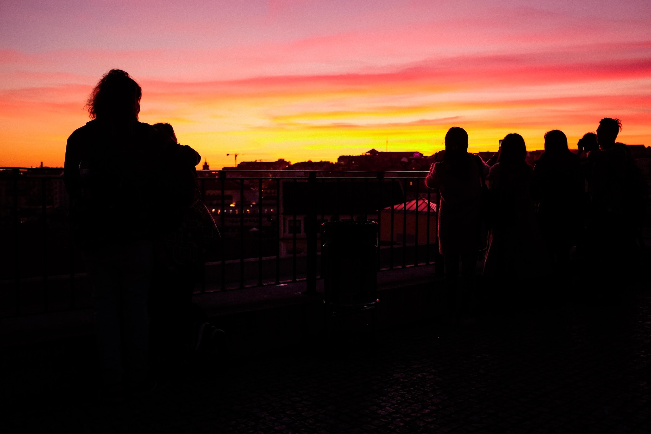 lisbon-portugal-sunset-miradouro