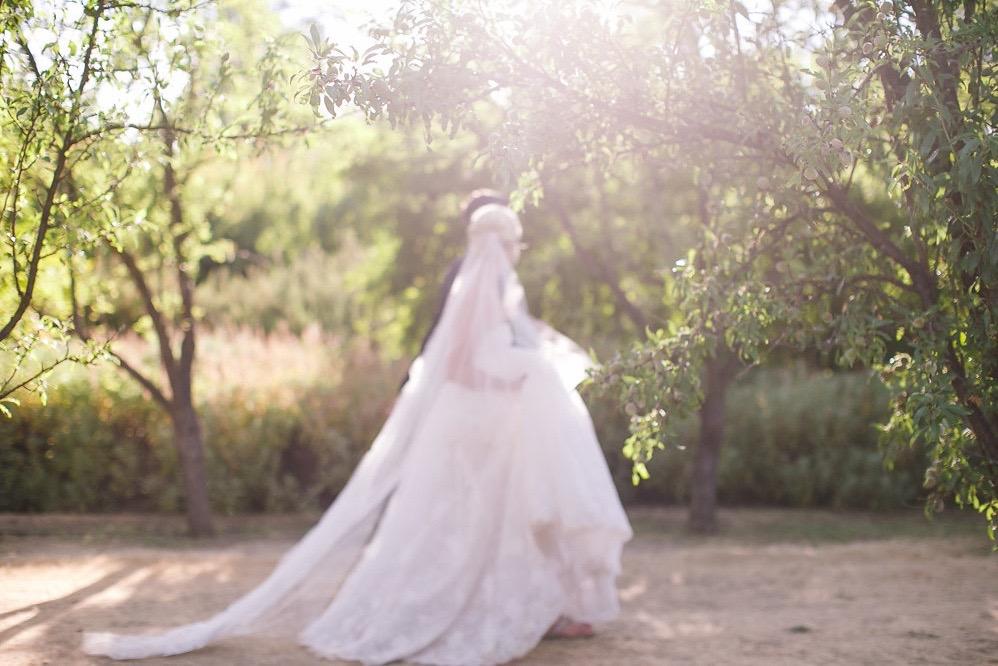 JENNIFER-SKOG-romantic-outdoor-ca-bear-flag-farm-wedding-katherine-michael-0485P.jpg