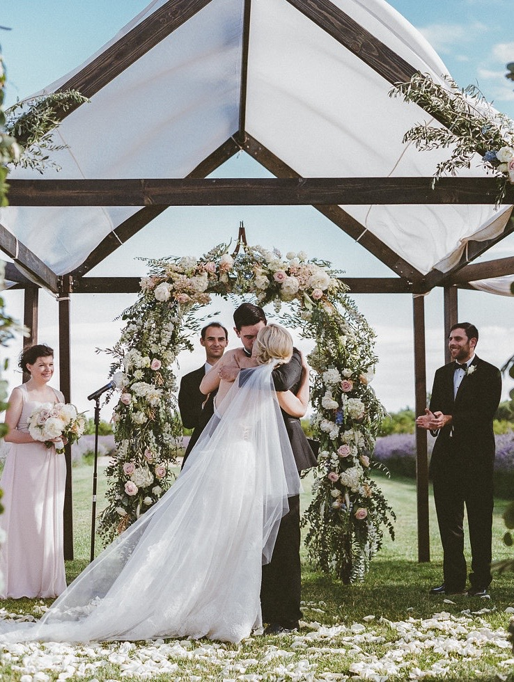 JENNIFER-SKOG-romantic-outdoor-ca-bear-flag-farm-wedding-katherine-michael-0244P.jpg
