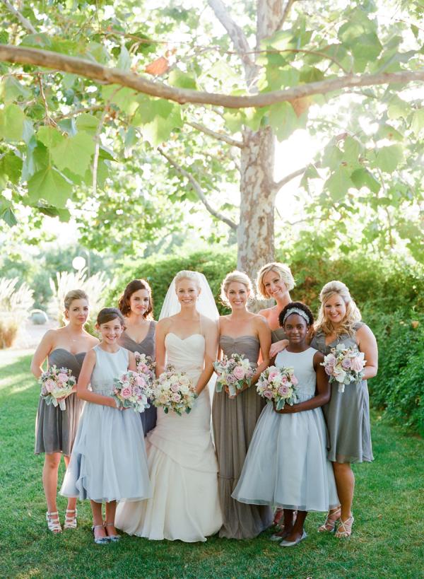 Bridesmaids-in-Lavender-Dresses-600x819.jpg