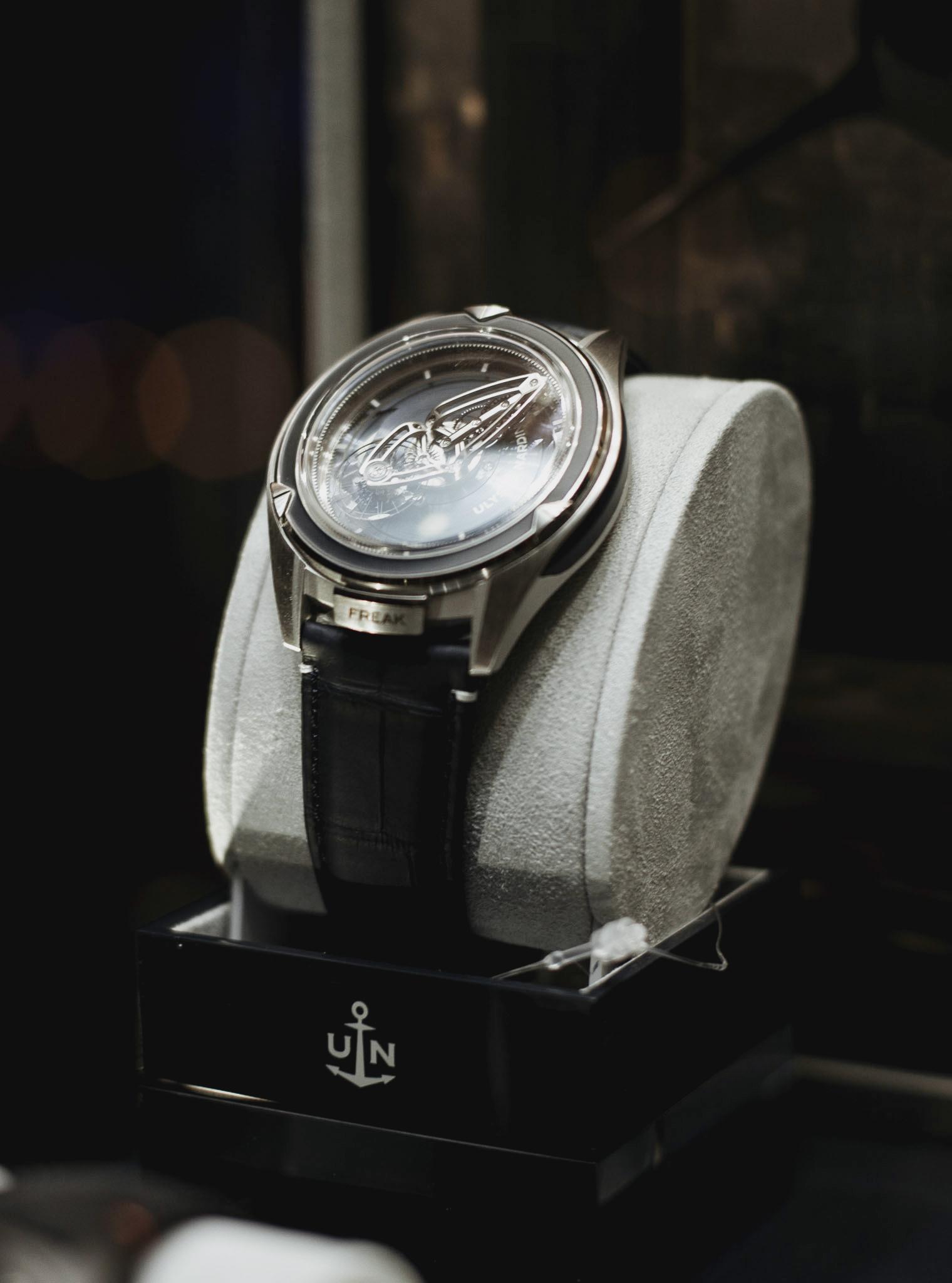 UNroyaljewelers789.JPG