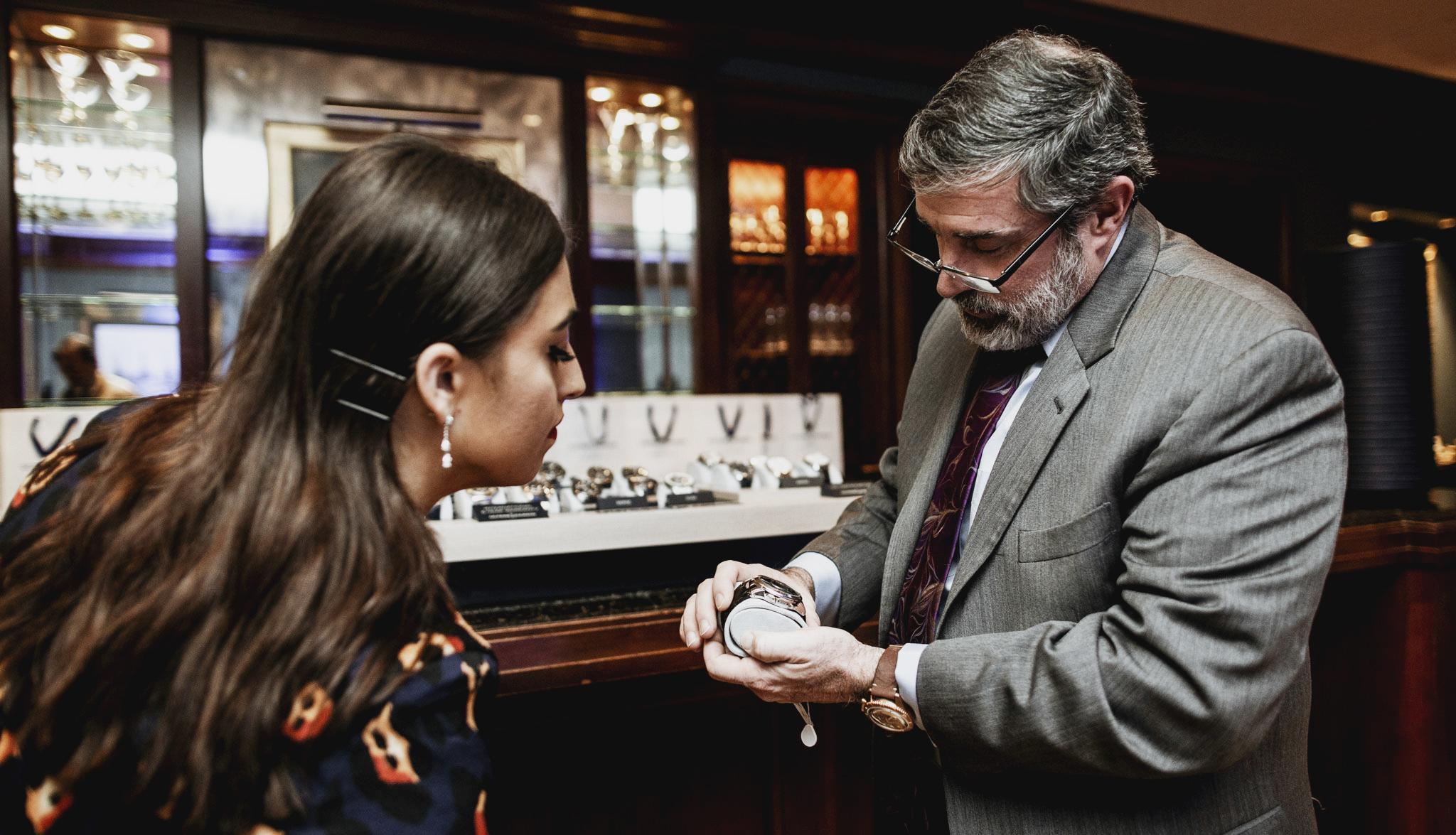 UNroyaljewelers757.JPG
