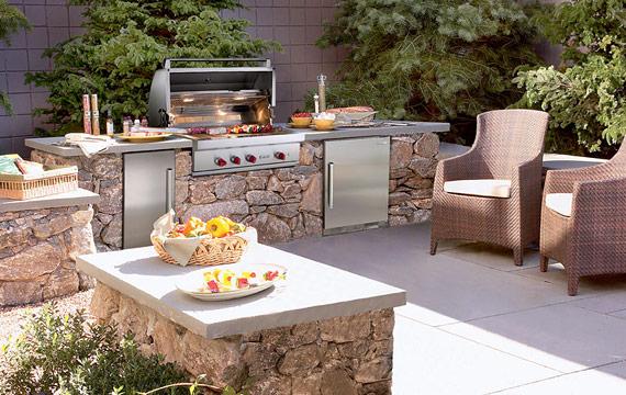 captivating-outdoor-kitchen-ideas-designs-northern-michigan.jpg