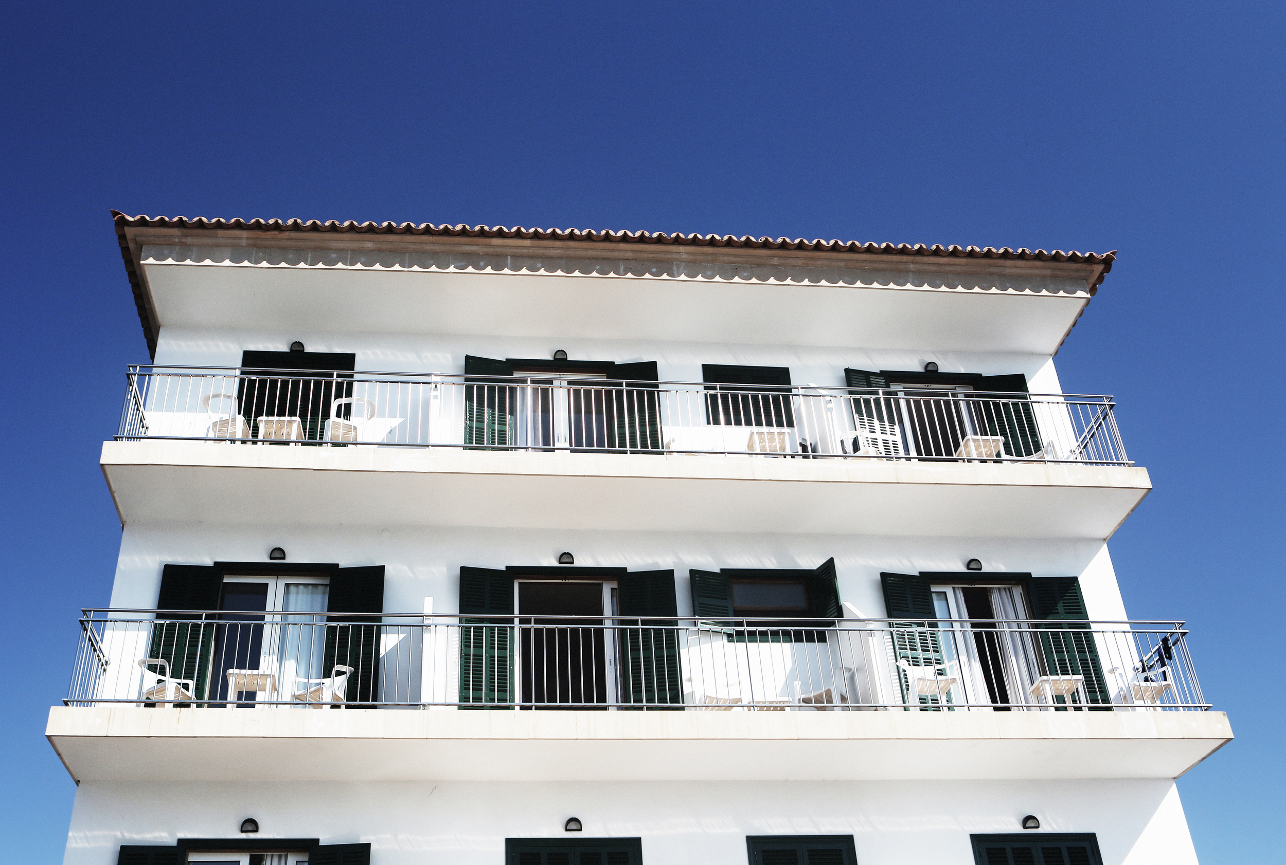 life-of-pix-free-stock-photos-palma-fruits-sun-apartments-white-building.jpg