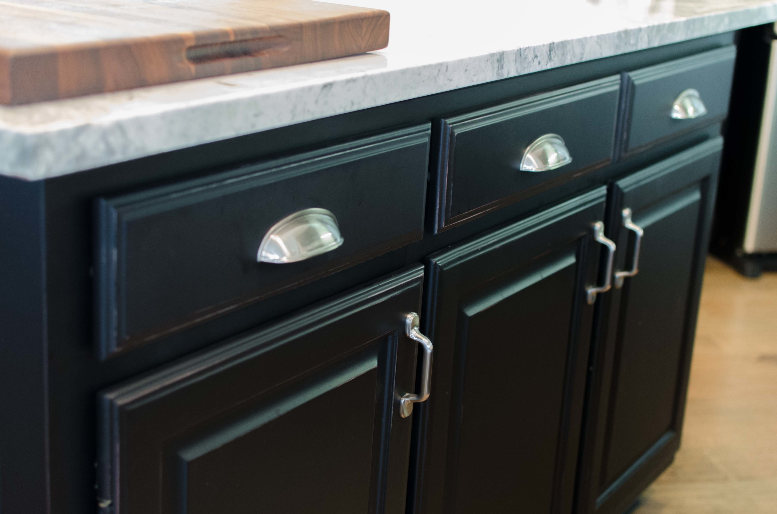 Traditional cup pull cabinet hardware