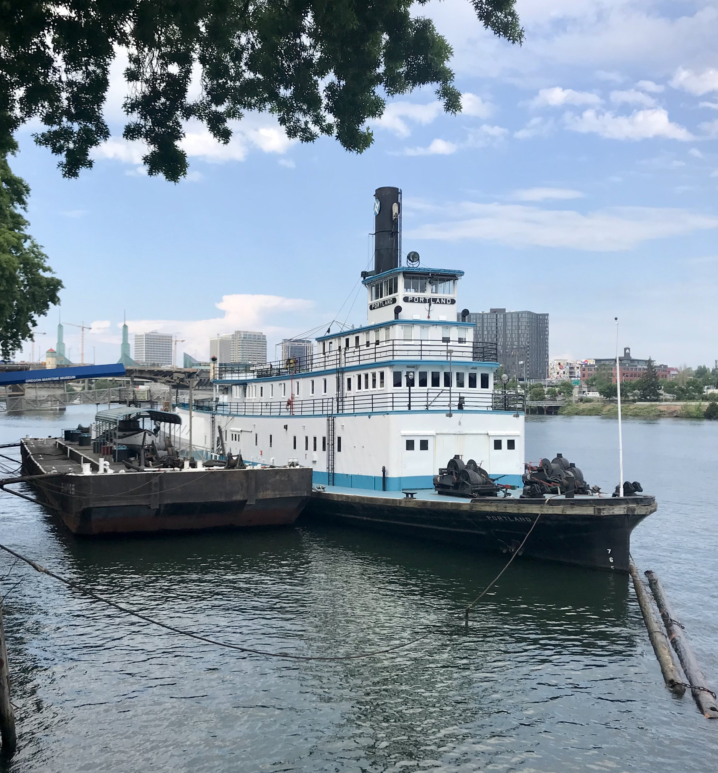 Old boat on the Willamette river