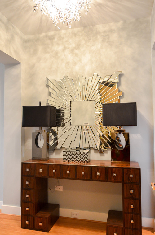 Mid-century modern glam mixed entryway