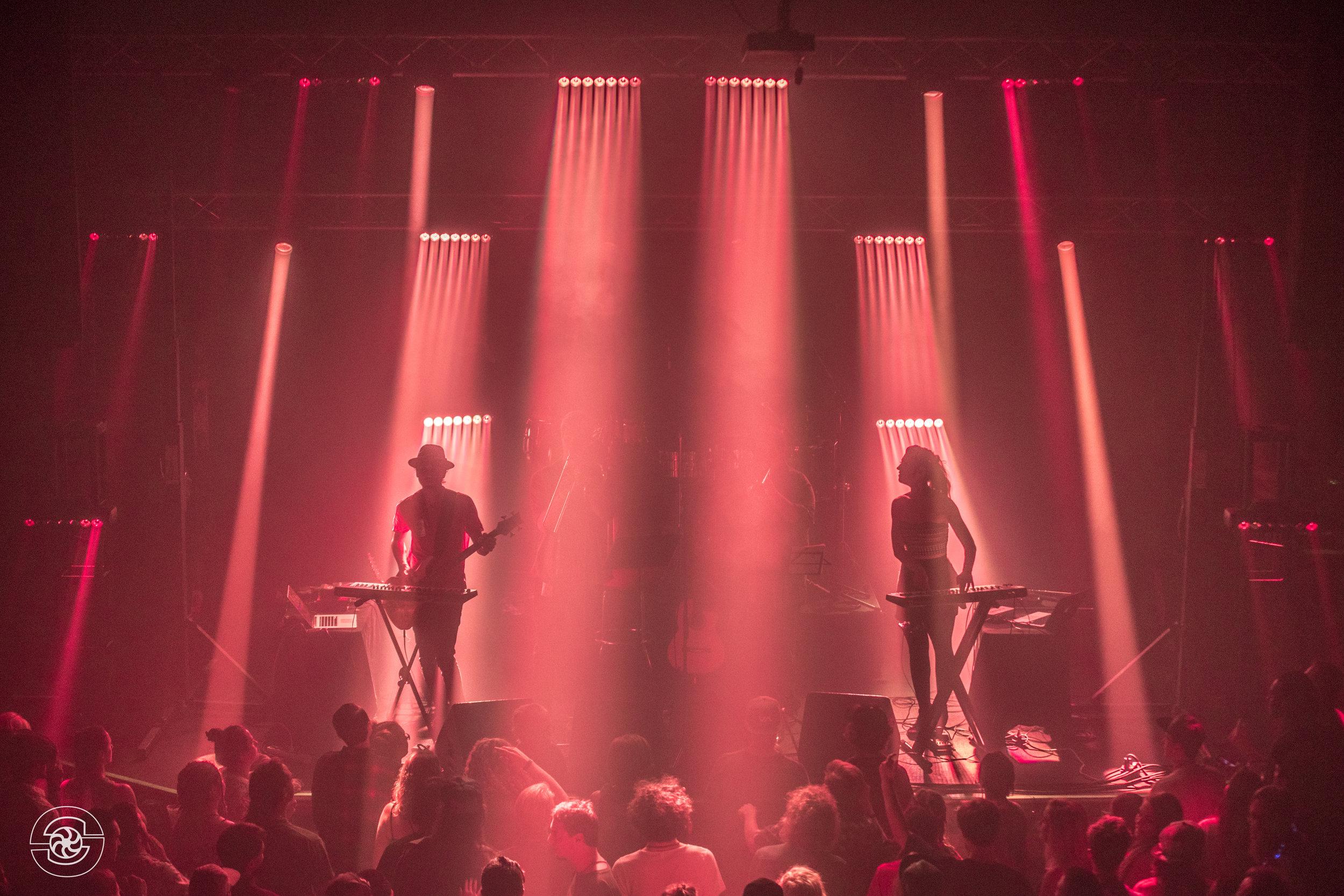 Spectacle.Music.FoxTheatre.2.silkyshots.jpg