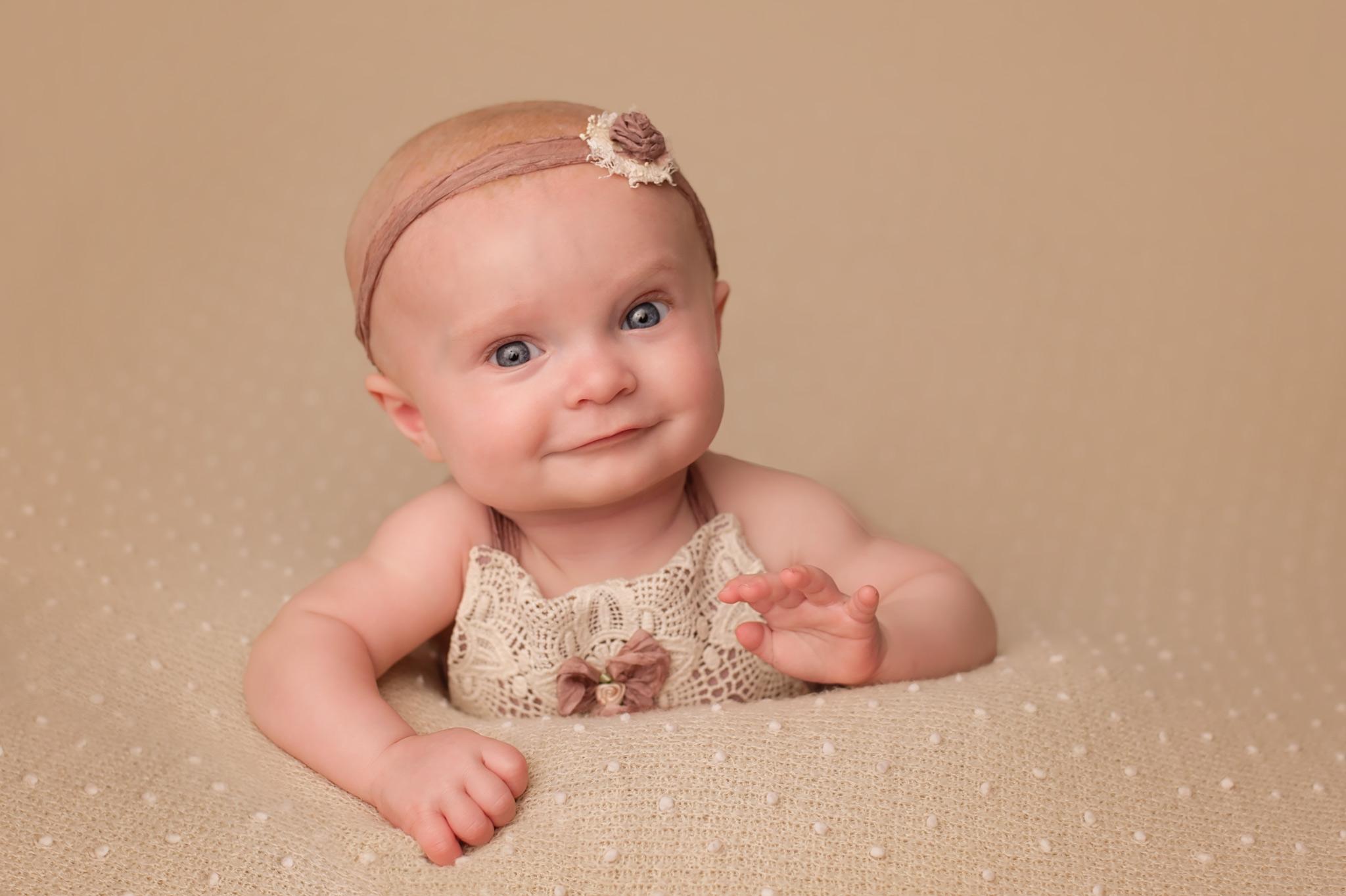 baby-pictures-milestone-photos-columbus-ohio.jpg