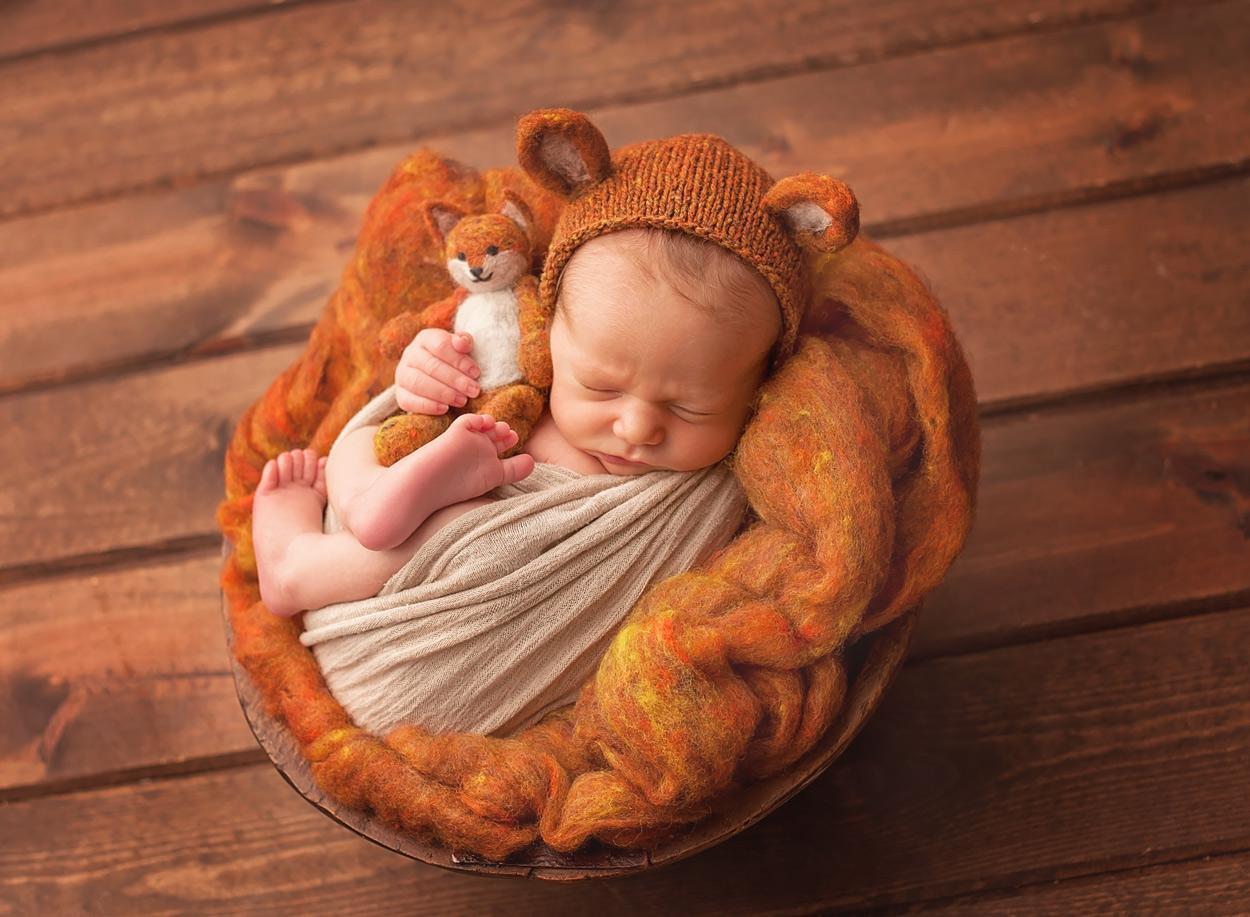baby-pictures-animal-outfit-Columbus-Ohio-newborn-photographer.jpg