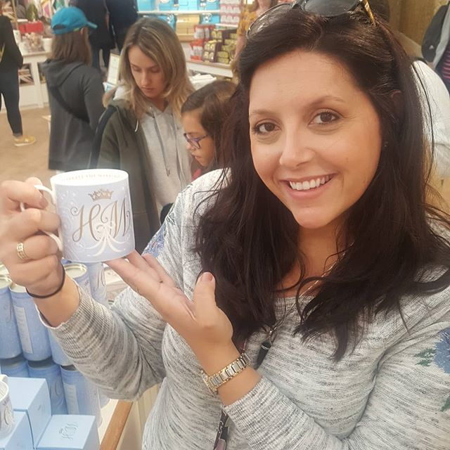 This wedding planner is geeking out over all the official wedding souvenirs!! #londonweddings #harryandmeghan #willplanwilltravel