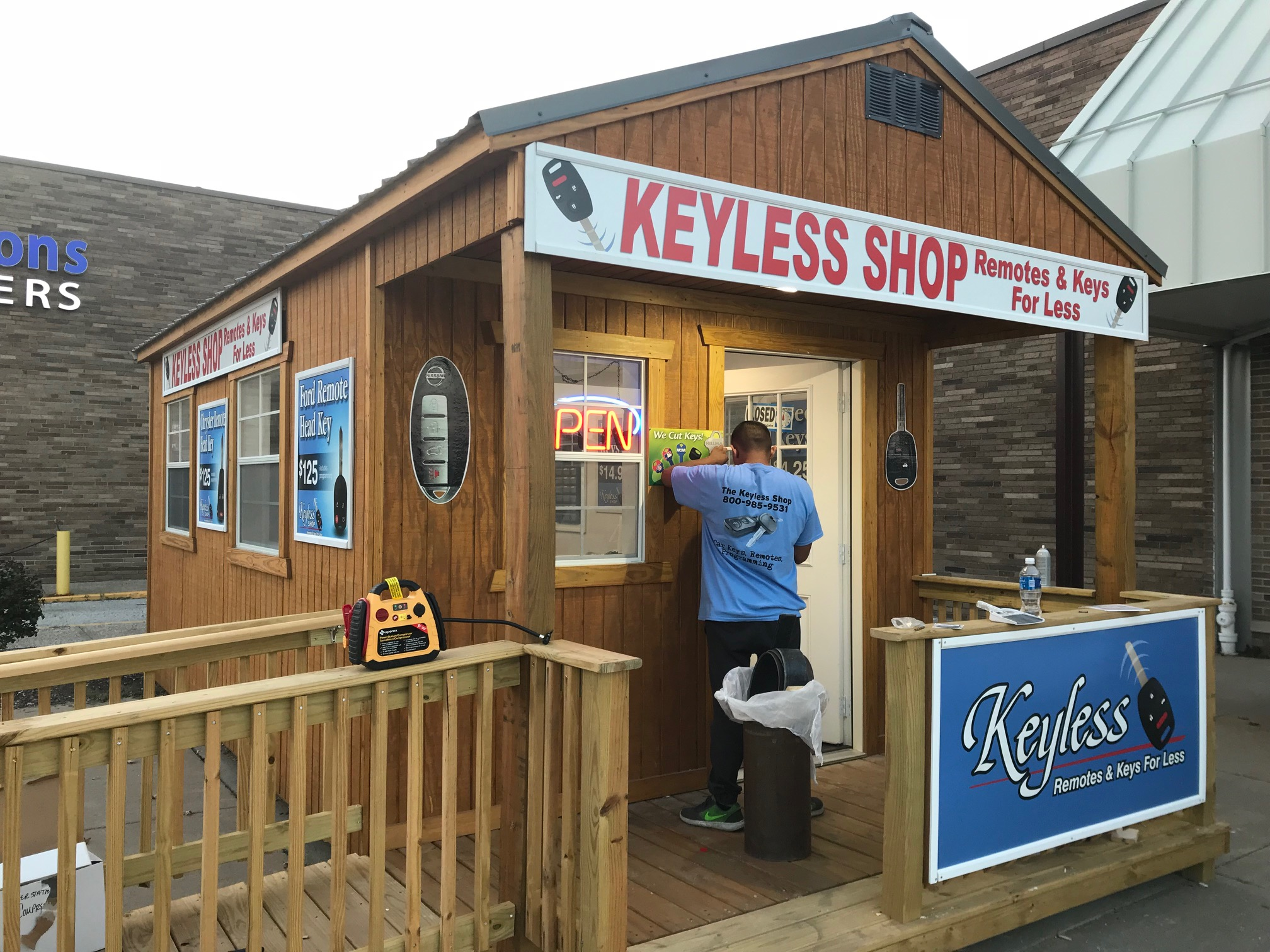 The Keyless Shop in Akron, OH.    https://www.facebook.com/KeylessShopChapelHillMallAkron/