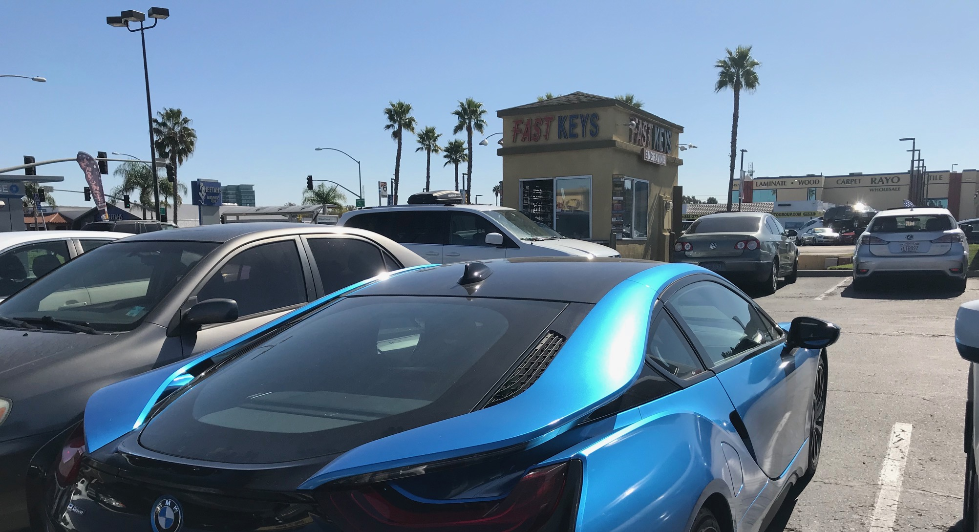 Fast Keys is now The Keyless Shop San Diego. For info visit  http://www.keylessshop.com/keylessshopsandiego/