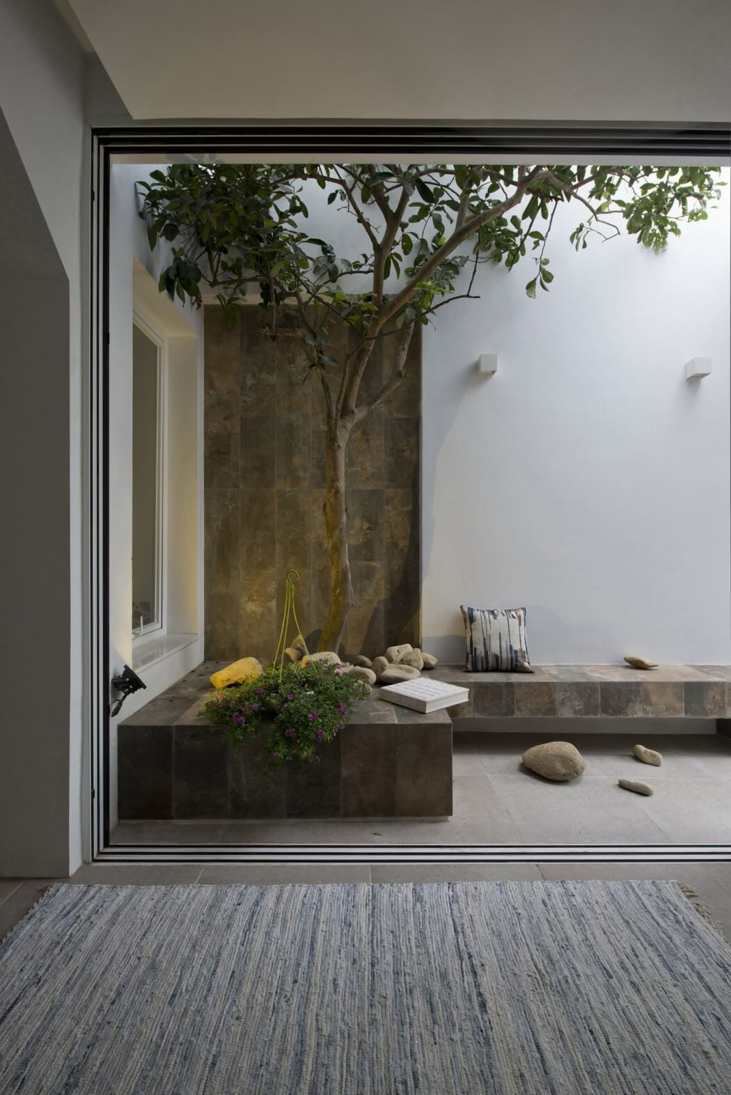 By Landmak Architecture. Photography by Le Anh Duc, Trieu Chien