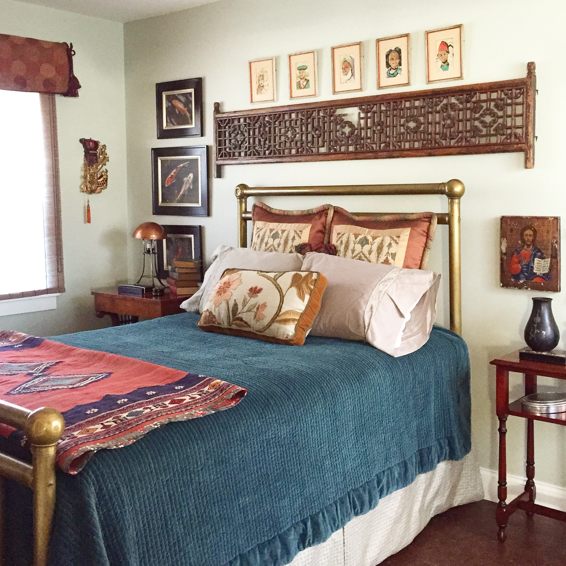 bedroom, eclectic, traveled bedroom, dunn edwards, antiques, design, interior design, collectibles, pottery barn bedding
