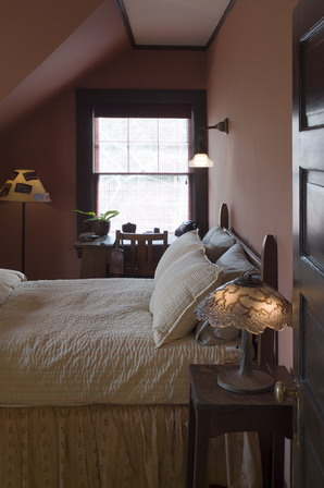 bedroom, eclectic, traveled bedroom, dunn edwards, antiques, design, interior design, collectibles, pottery barn bedding, craftsman,
