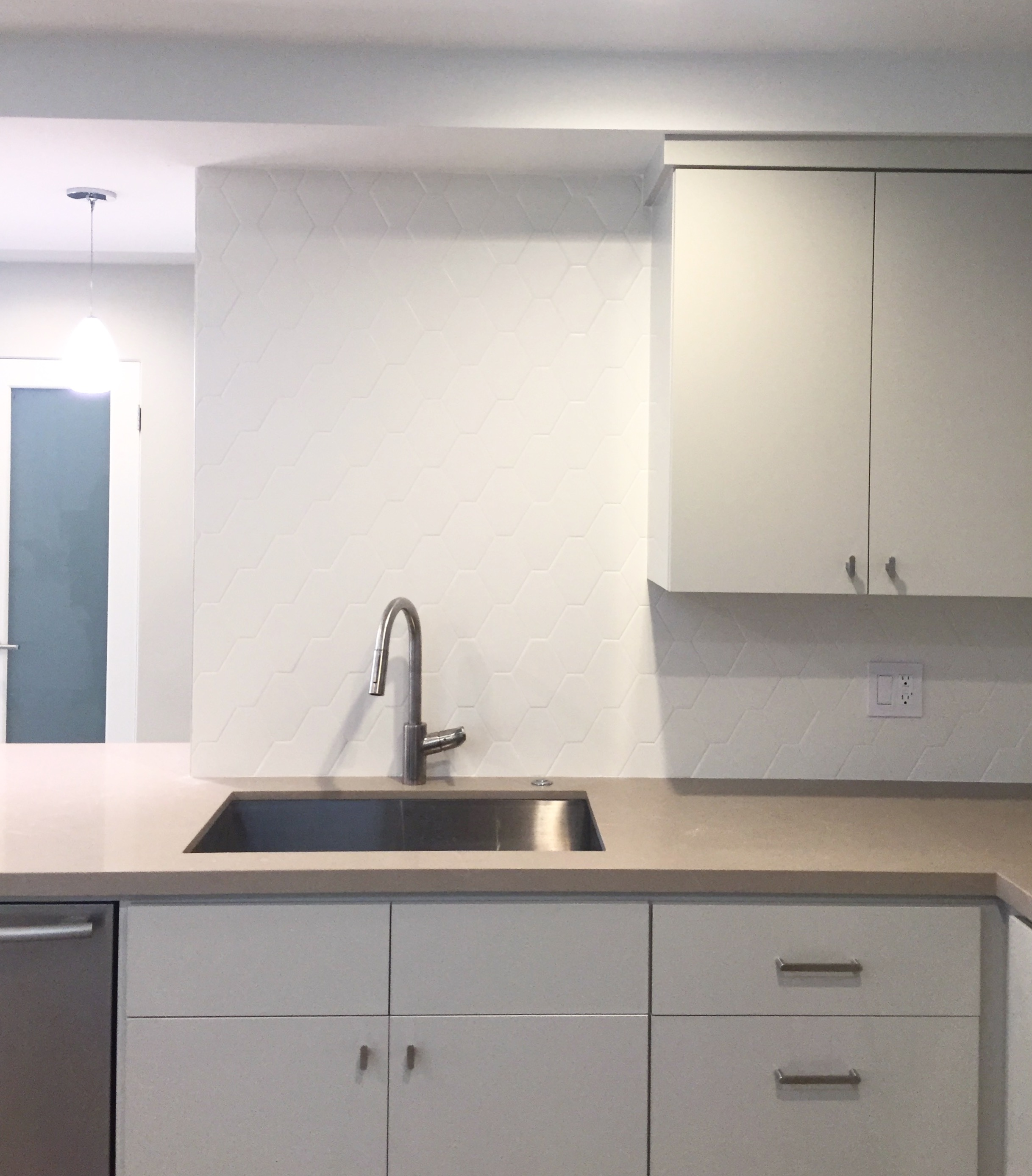 kitchen design, interior design, kitchens, painted cabinets, color, farrow and ball, Dunn Edwards, traditional, midcentury modern,