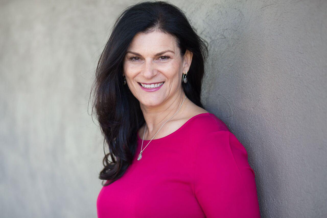 Georgina Turewicz |  Sales