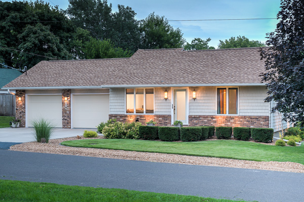 Twilight real estate photograph :: Michael Gowin, Illinois Home Photography, Lincoln, IL
