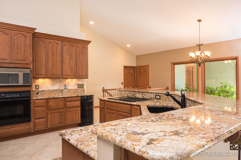 Kitchen interior photograph  for real estate :: Illinois Home Photography by Michael Gowin, Lincoln, IL