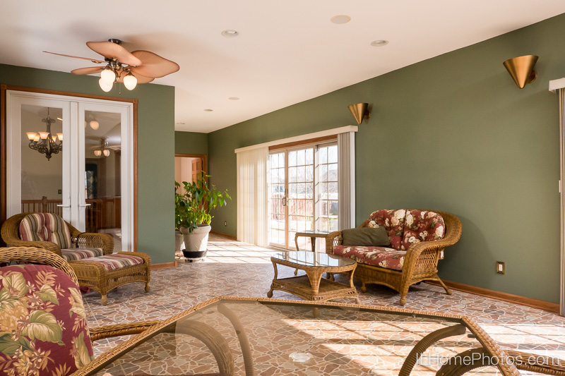 Sun room interior photograph  for real estate :: Illinois Home Photography by Michael Gowin, Lincoln, IL