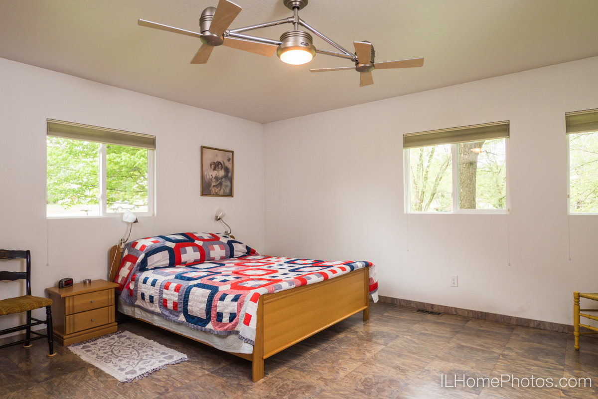 Bedroom interior photograph, Delavan, IL :: Illinois Home Photography by Michael Gowin, Lincoln, IL