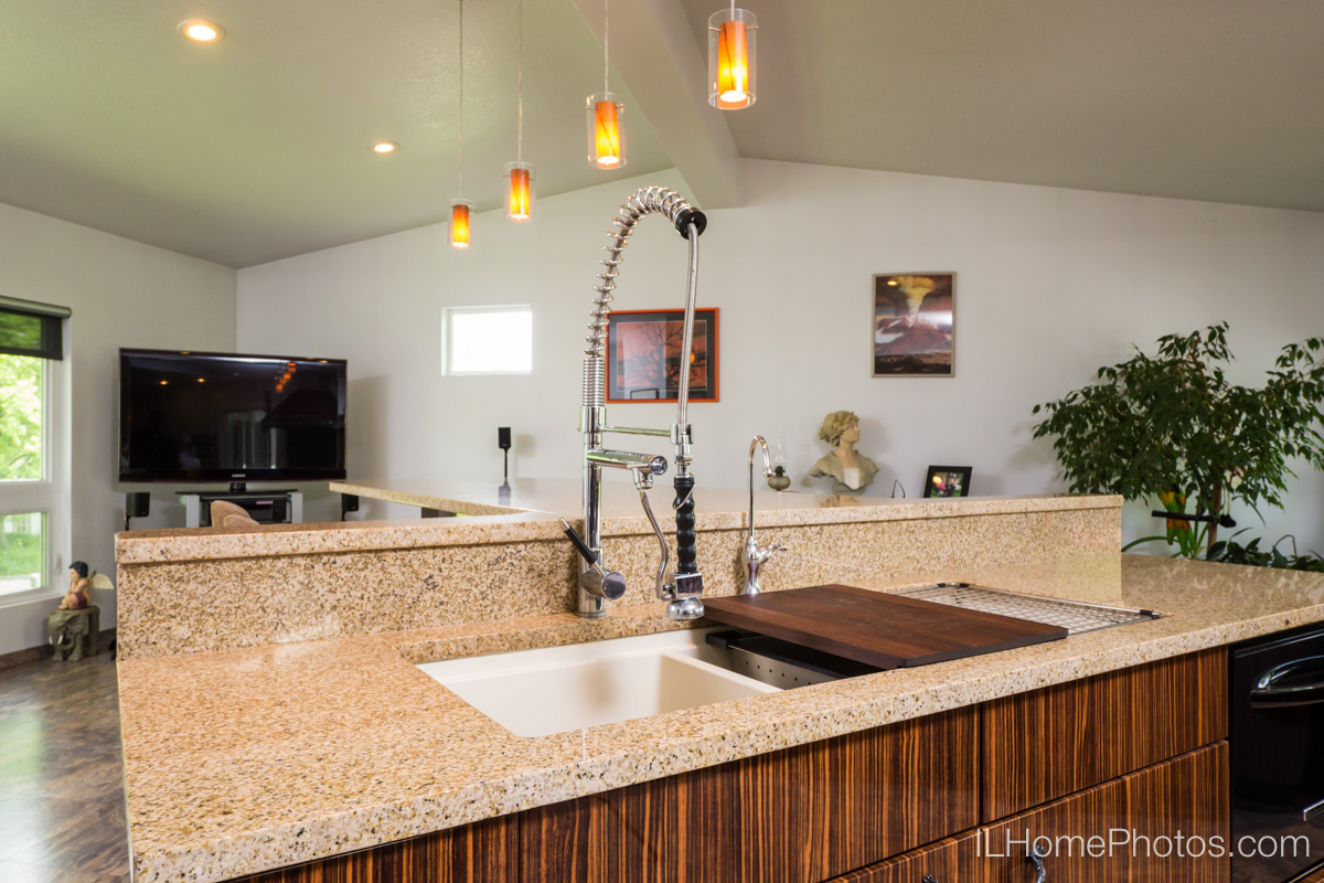Kitchen/great room interior photograph, Delavan, IL :: Illinois Home Photography by Michael Gowin, Lincoln, IL
