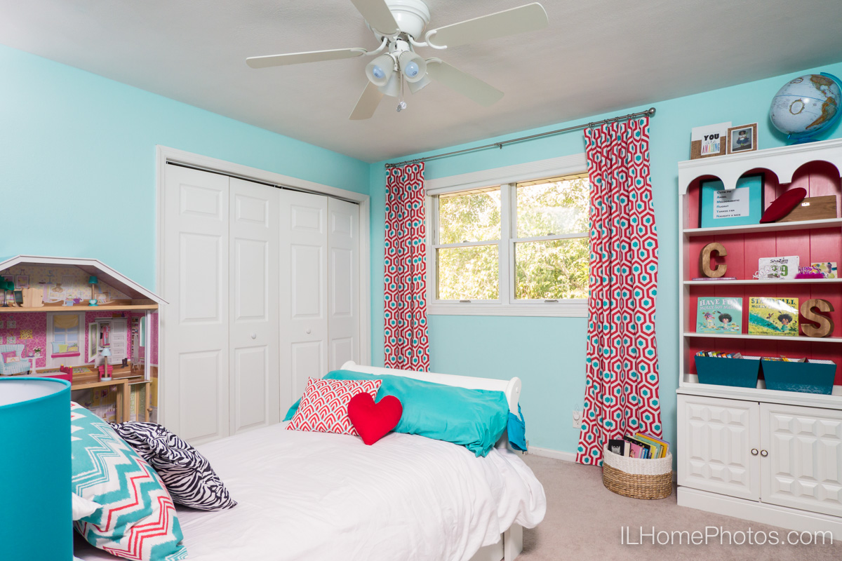 Bedroom interior photograph for real estate in Peoria, IL :: Illinois Home Photography by Michael Gowin, Lincoln, IL