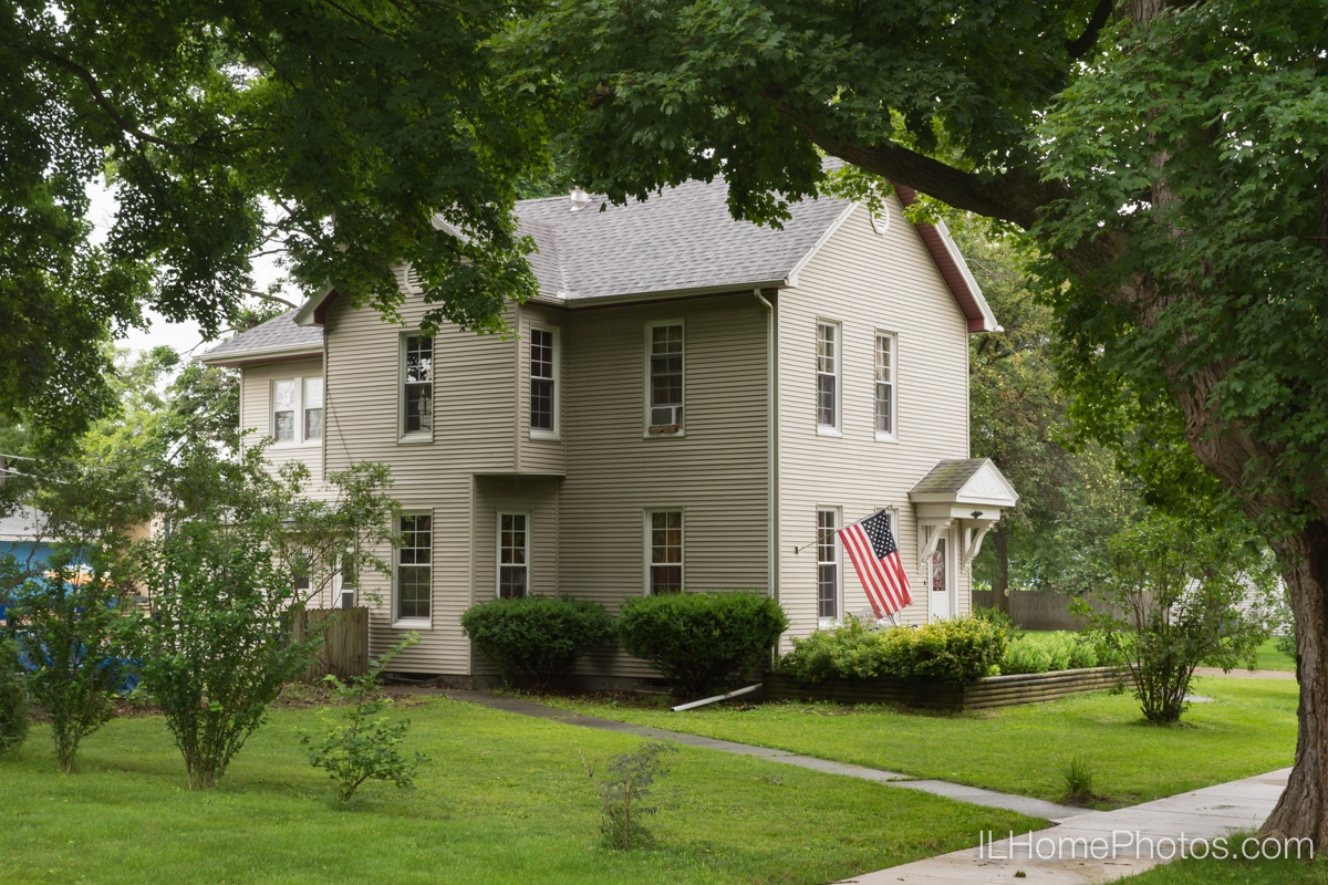 Exterior home photograph for real estate in Delavan, IL :: Illinois Home Photography by Michael Gowin, Lincoln, IL