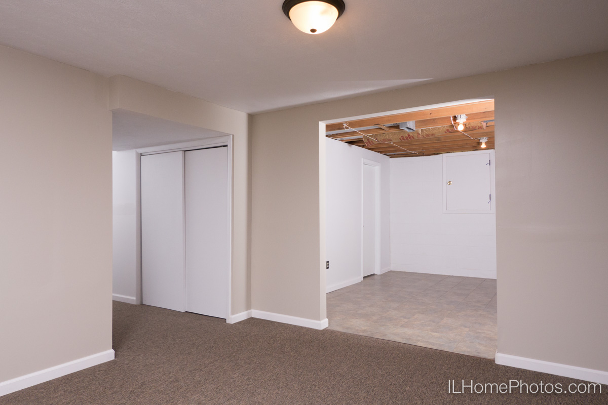 Interior basement photograph for real estate in Peoria, IL :: Illinois Home Photography by Michael Gowin, Lincoln, IL