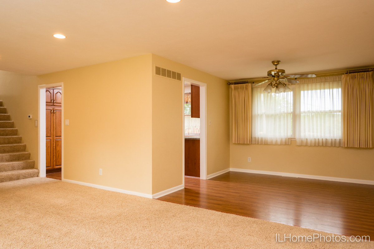 Interior living room and dining room photograph for real estate in Peoria, IL :: Illinois Home Photography by Michael Gowin, Lincoln, IL