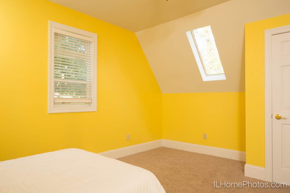 Interior home bedroom photograph for real estate in Delavan, IL :: Illinois Home Photography by Michael Gowin, Lincoln, IL