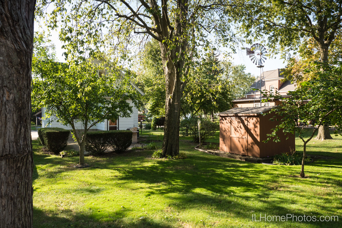 Exterior home photograph for real estate in Bloomington, IL :: Illinois Home Photography by Michael Gowin, Lincoln, IL