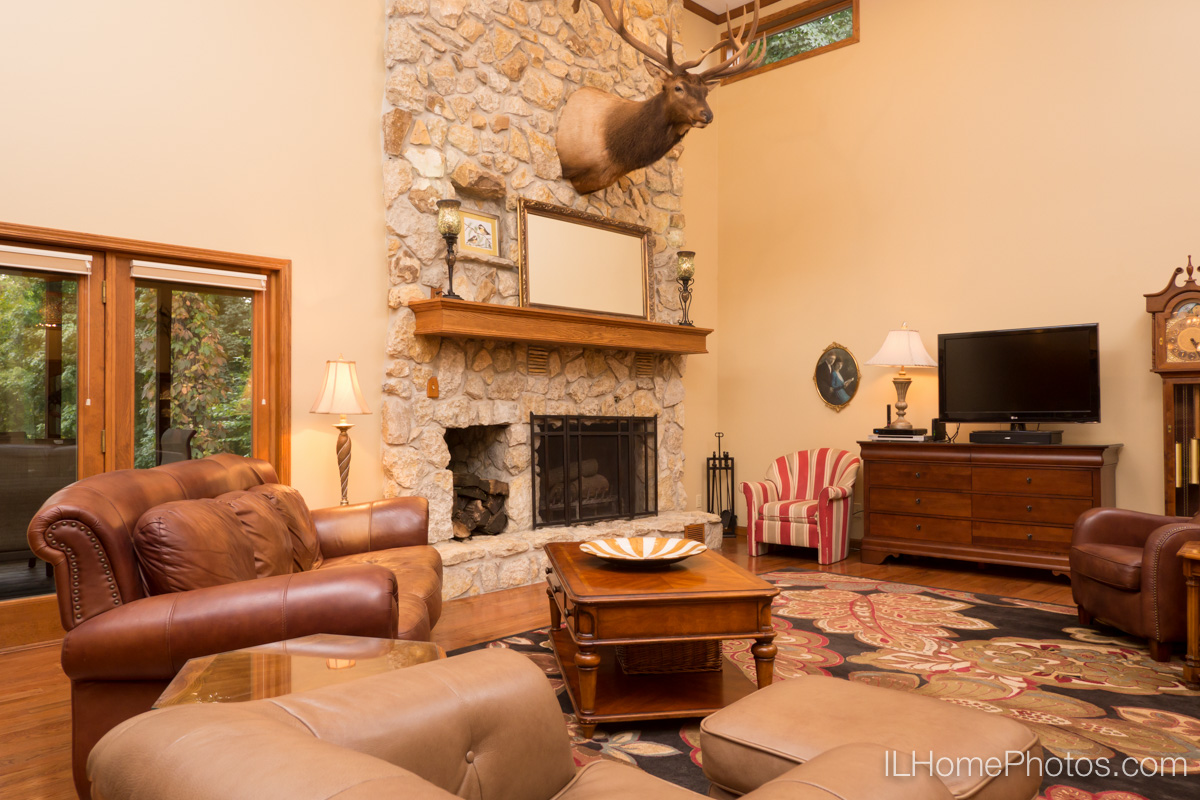 Interior living room photograph for real estate in Elkhart, IL :: Illinois Home Photography by Michael Gowin, Lincoln, IL