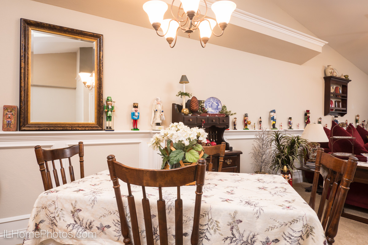 Interior dining room photograph for real estate in Morton, IL :: Illinois Home Photography by Michael Gowin, Lincoln, IL