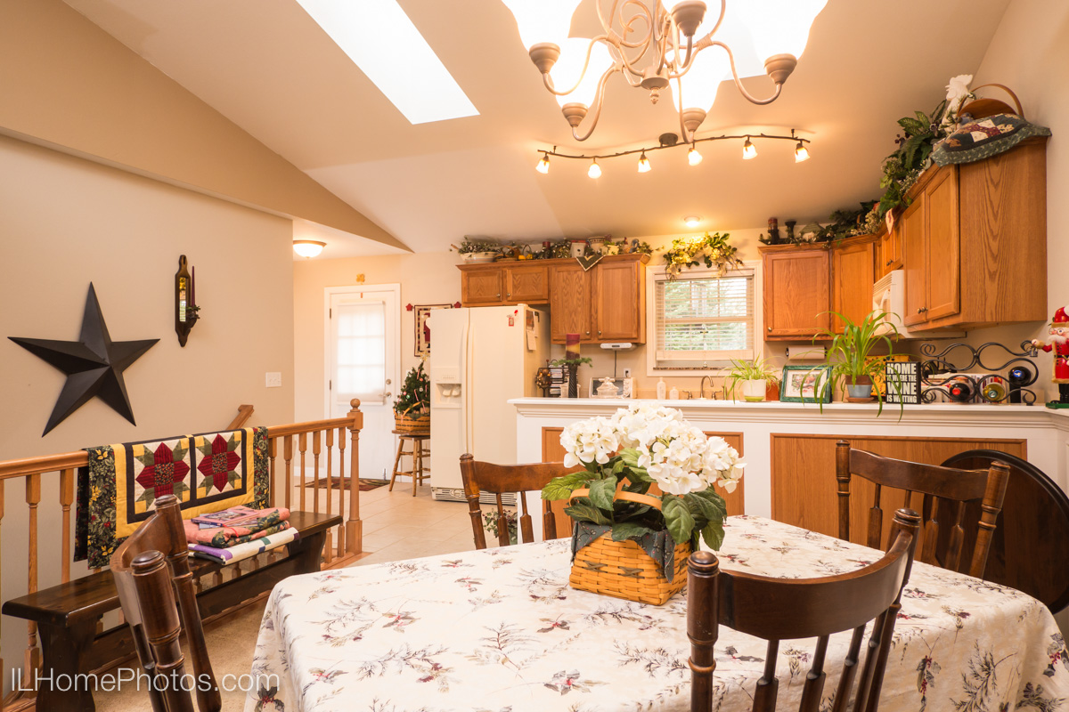 Interior dining room and kitchen photograph for real estate in Morton, IL :: Illinois Home Photography by Michael Gowin, Lincoln, IL