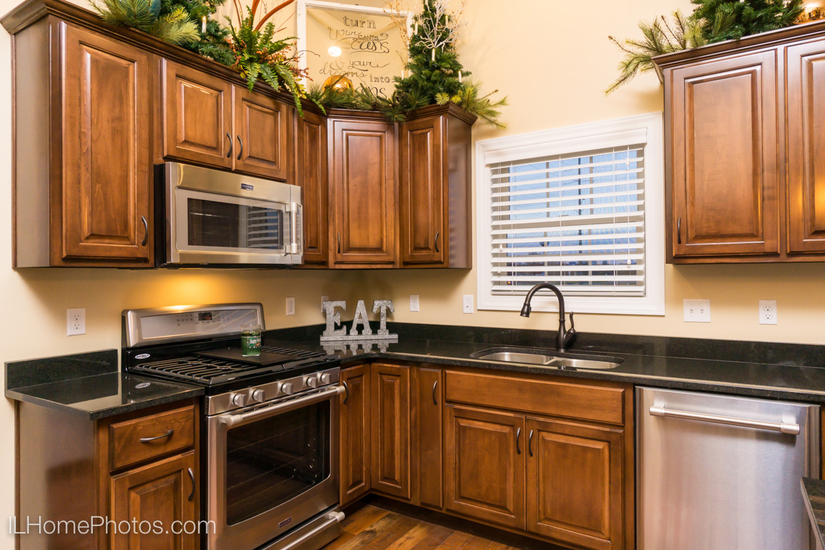Interior kitchen photograph,Tour of Homes :: Illinois Home Photography by Michael Gowin, Lincoln, IL