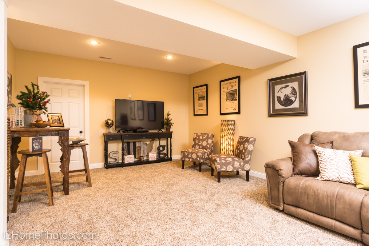 Interior family room photograph,Tour of Homes :: Illinois Home Photography by Michael Gowin, Lincoln, IL