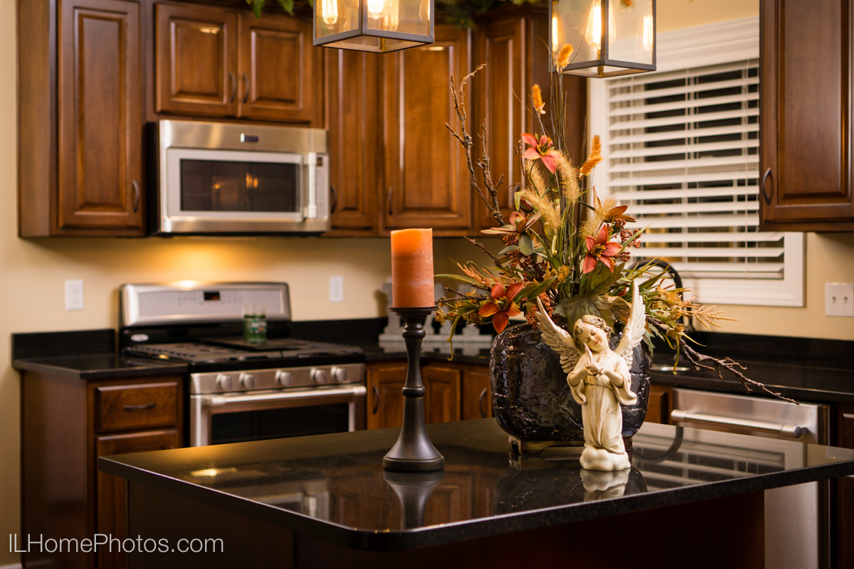 Interior kitchen detail photograph,Tour of Homes :: Illinois Home Photography by Michael Gowin, Lincoln, IL