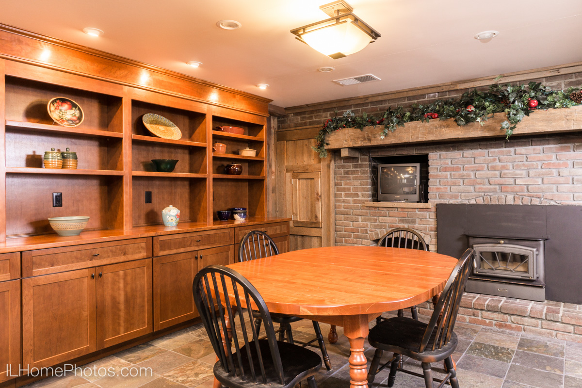 Interior dining room photograph for real estate, Cuba, IL :: Illinois Home Photography by Michael Gowin, Lincoln, IL