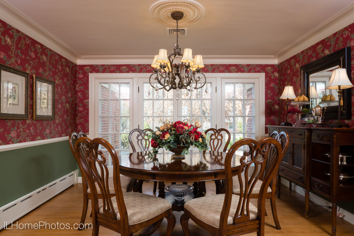 Formal dining room interior photograph :: Illinois Home Photography, Michael Gowin, Lincoln, IL