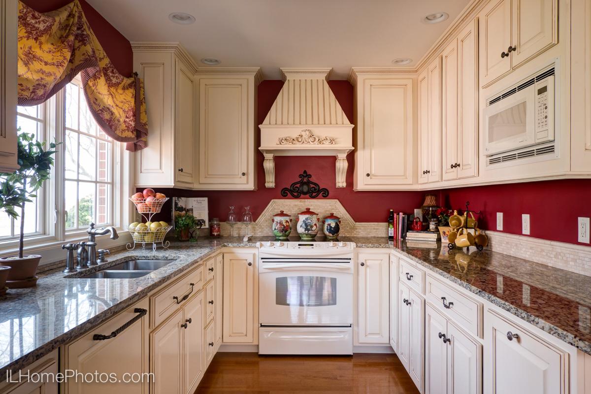 Kitchen interior photograph :: Illinois Home Photography, Michael Gowin, Lincoln, IL