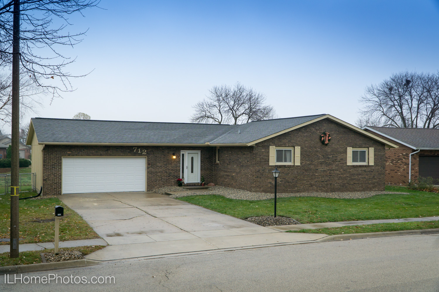 Exterior home photograph for real estate in Morton, IL :: Illinois Home Photography by Michael Gowin, Lincoln, IL