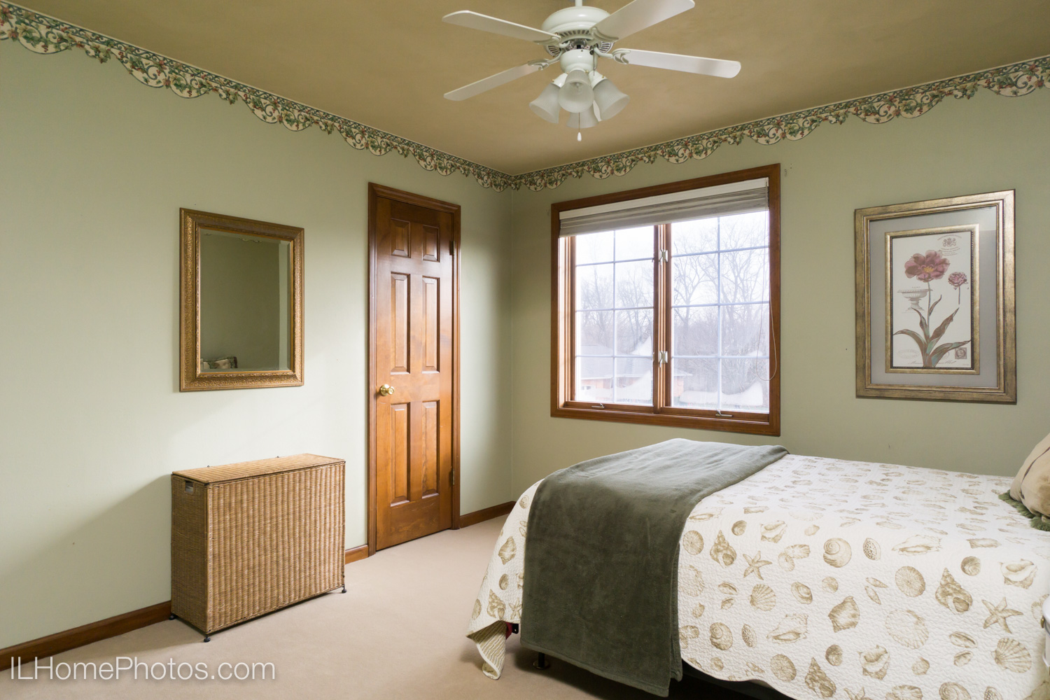 Interior bedroom photograph for real estate in Dunlap, IL :: Illinois Home Photography by Michael Gowin, Lincoln, IL