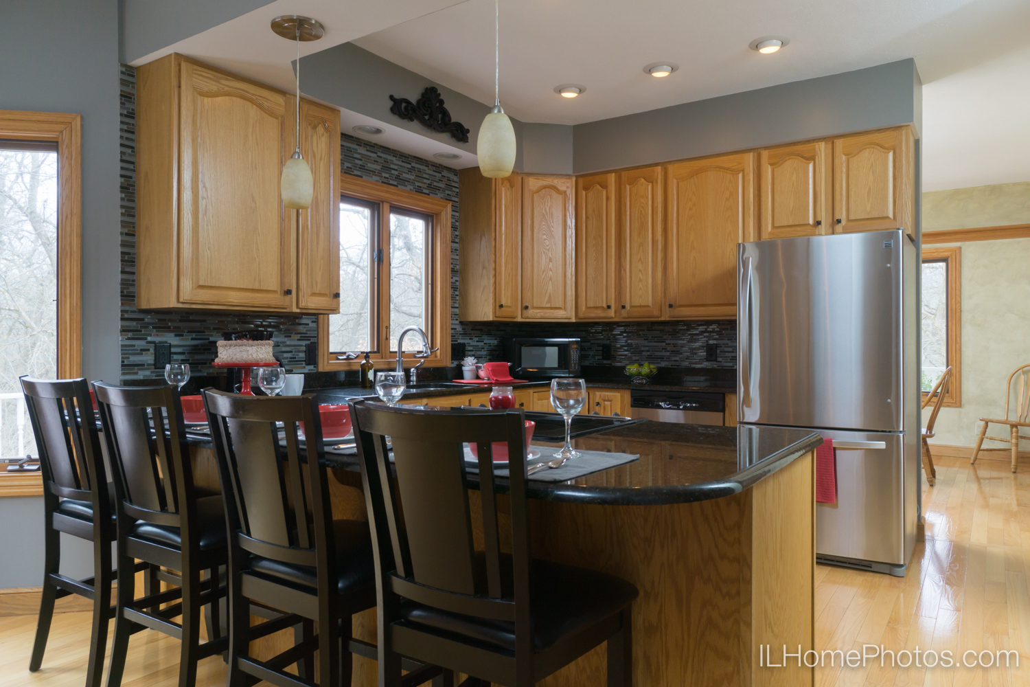 Interior kitchen photograph for real estate :: Illinois Home Photography by Michael Gowin, Lincoln, IL