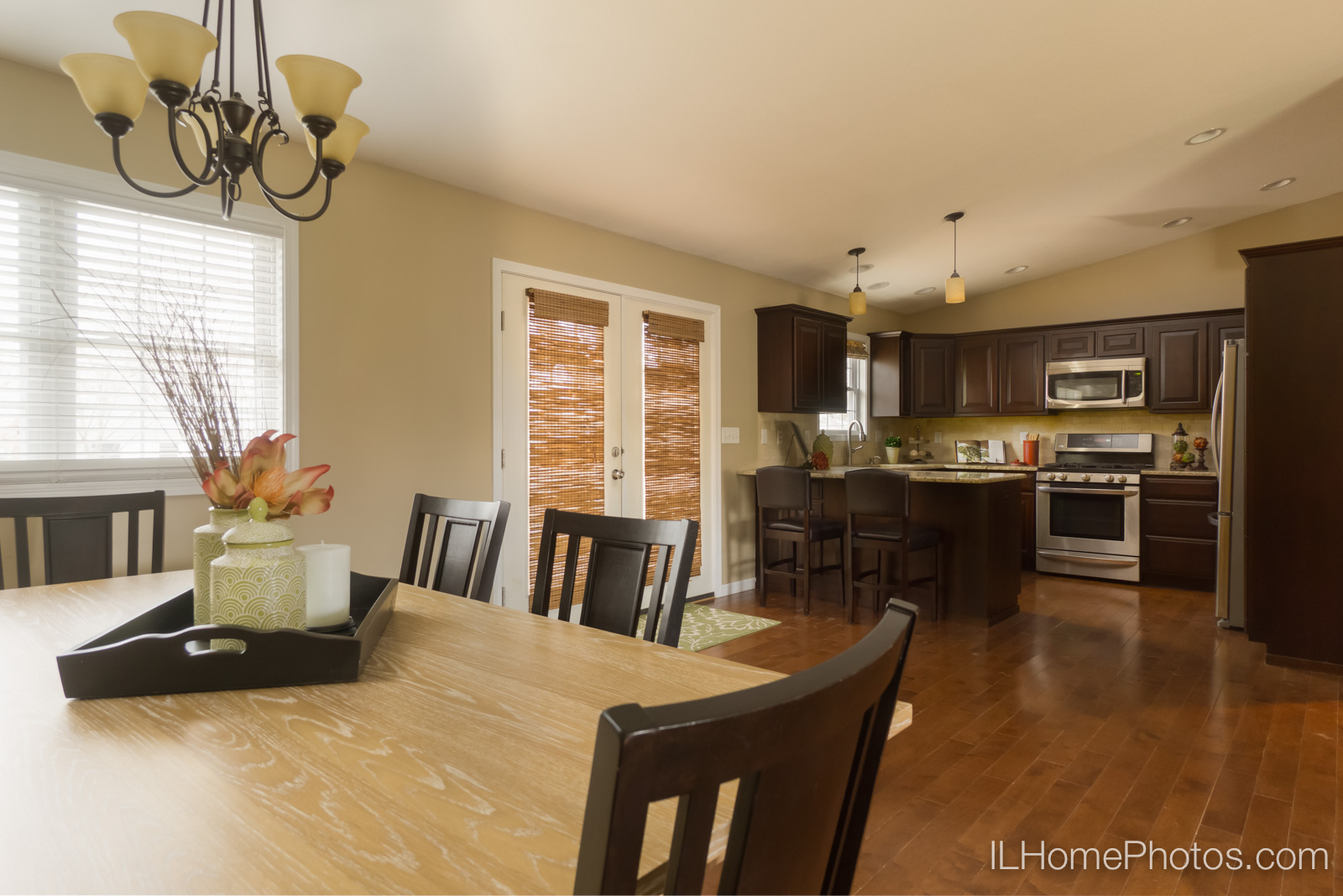 Interior dining room and kitchen photograph for real estate :: Illinois Home Photography by Michael Gowin, Lincoln, IL