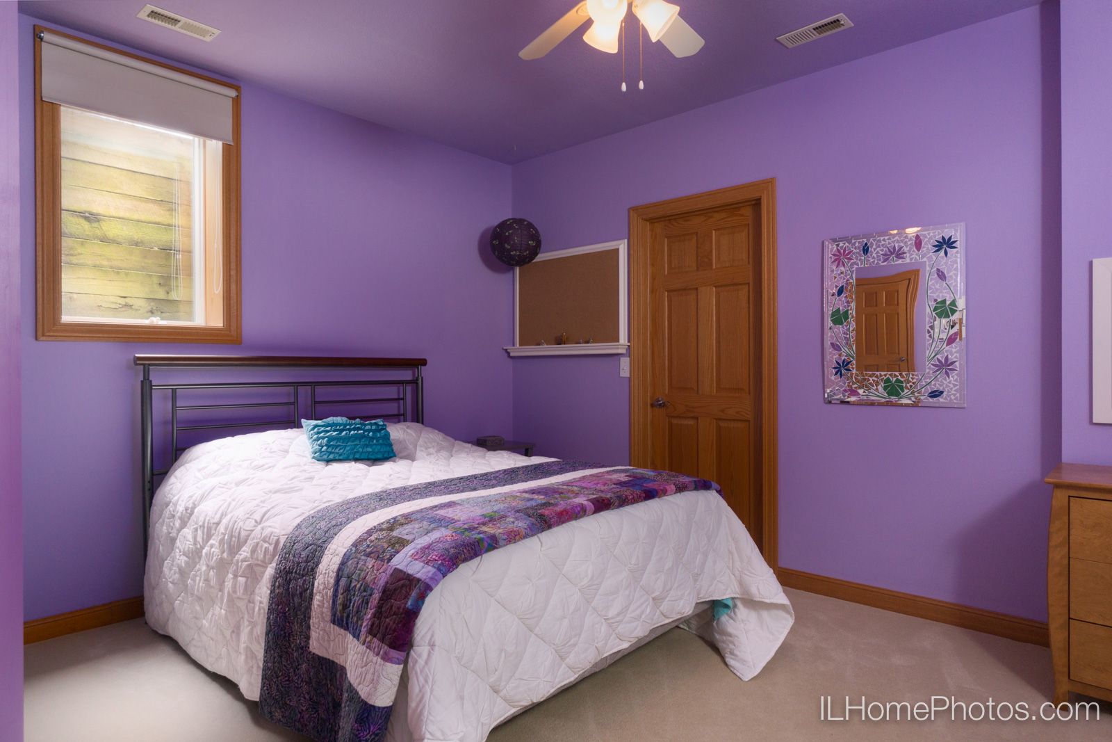 Interior girl's bedroom photograph for real estate :: Illinois Home Photography by Michael Gowin, Lincoln, IL